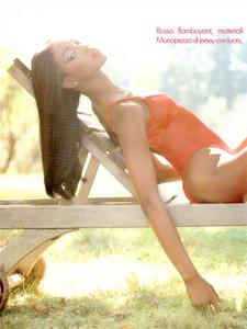 1576906419_Sexy_Cos_Meisel_Vogue_Italia_December_1994_03.thumb.png.7f8f4b935ad7344f848f1e29280dbd0d.png