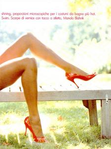 1910168716_Sexy_Cos_Meisel_Vogue_Italia_December_1994_04.thumb.png.f903037fe9cc946de32b47f8858e3512.png