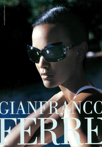 820900776_Demarchelier_Gianfranco_Ferr_Spring_Summer_2005_05.thumb.png.46af08f152c7f40b7cae90528bba3be1.png