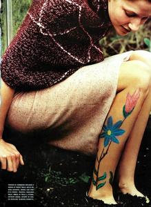 Bolofo_Vogue_Italia_November_2000_06.thumb.png.5da14ed1fccf3da592bf622ffcb1fe5d.png