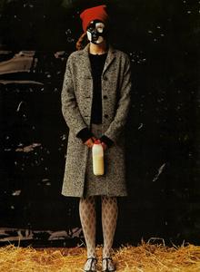 Bolofo_Vogue_Italia_November_2000_08.thumb.png.62bdef8e6d58a8ac994efd2f9e4a95c5.png