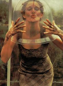 Bolofo_Vogue_Italia_November_2000_09.thumb.png.314b24fcee4556bef7b9575233181231.png