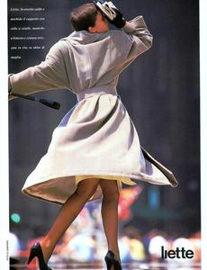 Caminata_Vogue_Italia_September_1987_01_04.thumb.png.ebe30a086f1985d40dc9cc5e072e5dac.png