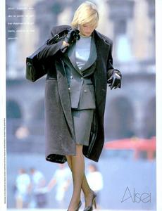 Caminata_Vogue_Italia_September_1987_01_06.thumb.png.bb722b2fb417fb8d2ff073646da86dcc.png