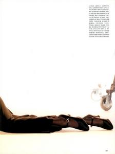 Hollywood_Glamour_Comte_Vogue_Italia_December_1994_04.thumb.png.17bbd6a33ba85983b318ecc325ea77dc.png