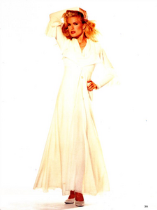 Hollywood_Glamour_Comte_Vogue_Italia_December_1994_08.thumb.png.703ffe21562c4ecb9388a4af7785cc64.png