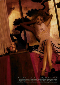 Meisel_Vogue_Italia_March_2005_10.thumb.png.7a007498d66bc79659a83fb34156ae01.png