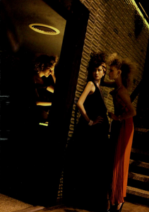 Meisel_Vogue_Italia_March_2005_16.thumb.png.e8ae9bc214a3ae4f28e61f40c91be23d.png