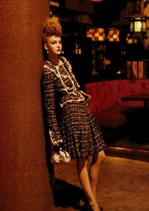 Meisel_Vogue_Italia_March_2005_20.thumb.png.3de37ba177314031821ab7de8ee78c31.png