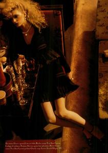 Meisel_Vogue_Italia_March_2005_21.thumb.png.c6aa005d2d1b4b941e1c9e5ad8784cc0.png