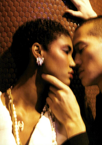 Meisel_Vogue_Italia_March_2005_23.thumb.png.1fc49dee80ddf8bc176d89500bd8655e.png