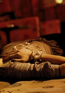 Meisel_Vogue_Italia_March_2005_32.thumb.png.fb239f1f696fc3664a8cd9f66558ecb3.png