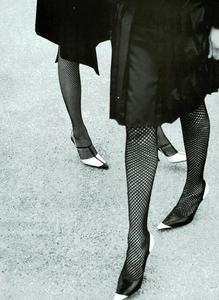 Moore_Vogue_Italia_November_2000_11.thumb.png.d1a8ba28cd30c76f54a1cfeee0f6a466.png