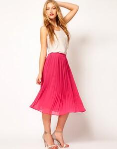 Pleated-skirts-arent-going-anywhere-season.jpg