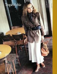Troical_Chic_Schmid_Vogue_Italia_May_1987_13.thumb.png.3b4be487730cc32877e060aecb754ac5.png