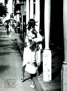 Vera_Seduzione_von_Unwerth_Vogue_Italia_May_1994_02.thumb.png.35ece93e6862b28bb69fc8c3a629c596.png