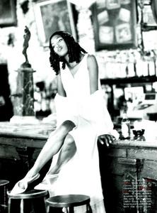 Vera_Seduzione_von_Unwerth_Vogue_Italia_May_1994_06.thumb.png.1215bf7e40aa94bb120ce315dbe0e1c9.png
