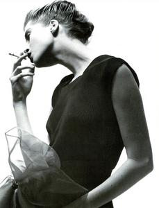 Watson_Vogue_Italia_February_1988_01_08.thumb.png.0d404da80378ec47a4cc47e2de6492fe.png
