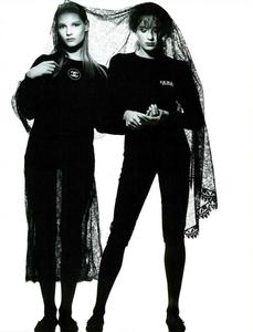 Watson_Vogue_Italia_February_1988_01_14.thumb.png.9f8abf087195a2ddc45bf66054678322.png