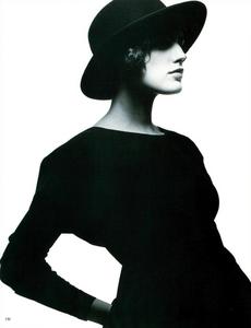 Watson_Vogue_Italia_February_1988_01_15.thumb.png.f5d30b2b2484246b5e0c8651e1bc46dd.png