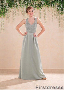 bridesmaid-dress-designers-list-t801525663800-main-673x943.jpg