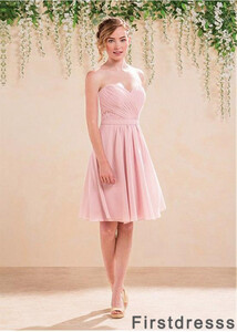 bridesmaid-dress-shopping-t801525662827-main-673x943.jpg