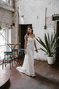 cindy-strapless-fitted-sweetheart-wedding-dress.jpg