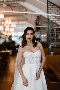 demi-strapless-sweetheart-wedding-dress.jpg