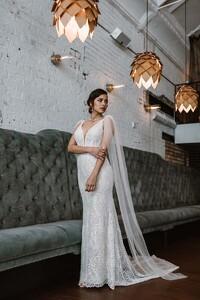 jamieson-sparkle-lace-wedding-gown.jpg