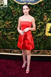 sadie-stanley-the-nutcracker-and-the-four-realms-premiere-in-hollywood-4.jpg