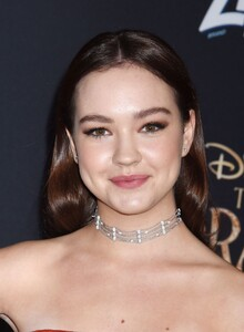 sadie-stanley-the-nutcracker-and-the-four-realms-premiere-in-hollywood-5.jpg