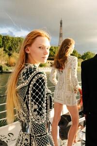 00023-Balmain-Couture-Fall-20.thumb.jpg.39dc702c1be743e1754655ab50b03c7c.jpg