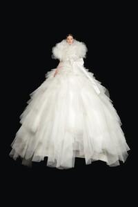 00032-Valentino-Couture-Fall-2020.thumb.jpg.b2836b6d116b8f3b89f0c70477fb3ca9.jpg
