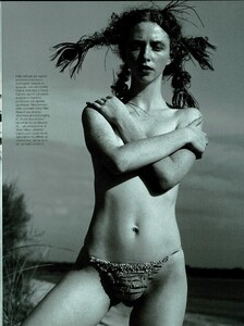 ARCHIVIO - Vogue Italia (June 2000) - Ultra Violet - 003.jpg