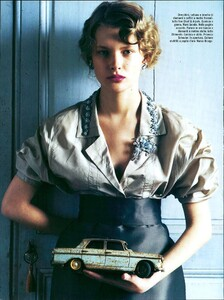 ARCHIVIO - Vogue Italia (May 2006) - Glitter - 002.jpg