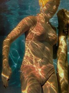 ARCHIVIO - Vogue Italia (June 2001) - An Enchanting Mood - 016.jpg