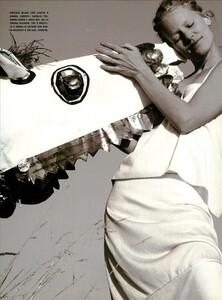 ARCHIVIO - Vogue Italia (June 1999) - Joie de Vivre - 008.jpg