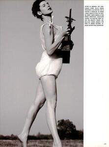 ARCHIVIO - Vogue Italia (June 1999) - Joie de Vivre - 004.jpg