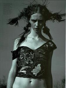 ARCHIVIO - Vogue Italia (June 2000) - Ultra Violet - 006.jpg