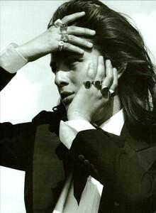 ARCHIVIO - Vogue Italia (December 2002) - Wild And Chic - 007.jpg