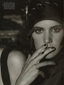 ARCHIVIO - Vogue Italia (December 2001) - Gleaming Evenings - 006.jpg