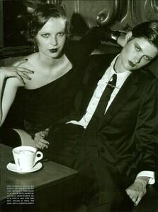 ARCHIVIO - Vogue Italia (December 2001) - Gleaming Evenings - 011.jpg