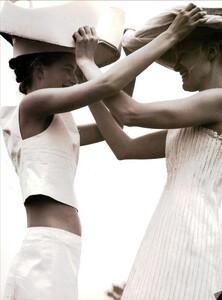 ARCHIVIO - Vogue Italia (June 1999) - Joie de Vivre - 010.jpg