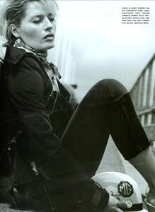 ARCHIVIO - Vogue Italia (November 2003) - A Classic Mood - 005.jpg