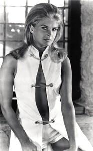 Candice Bergen - open front white top.jpg