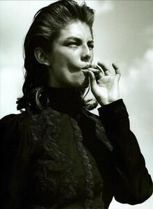ARCHIVIO - Vogue Italia (December 2002) - Wild And Chic - 003.jpg