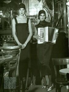 ARCHIVIO - Vogue Italia (December 2001) - Gleaming Evenings - 004.jpg