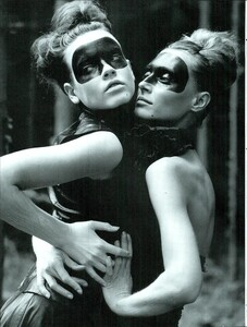 ARCHIVIO - Vogue Italia (December 2000) - Winter Verve - 005.jpg
