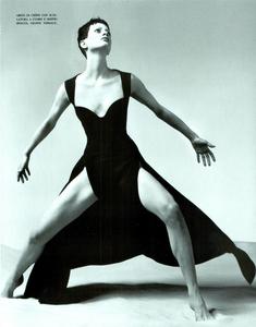 Avedon_Vogue_Italia_January_1993_02.thumb.png.1eb364e139e4b33703aac48d5b5c78d9.png