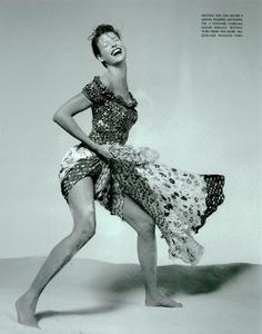 Avedon_Vogue_Italia_January_1993_05.thumb.png.94a0dafdb72a06932a8702bd356fc66b.png